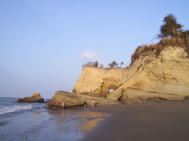 Secluded beach paradise Cielo (Sky) - Tonchigüe - Byt