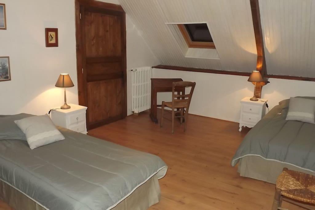 Chateau du val, chambre à l'étage gite Thadorn