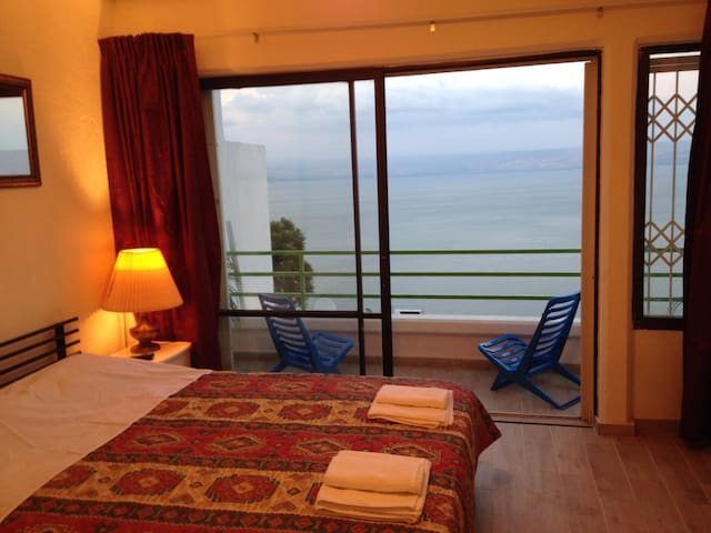 Bardo -Panoramic Sea View apartment - Tiberias - Huoneisto