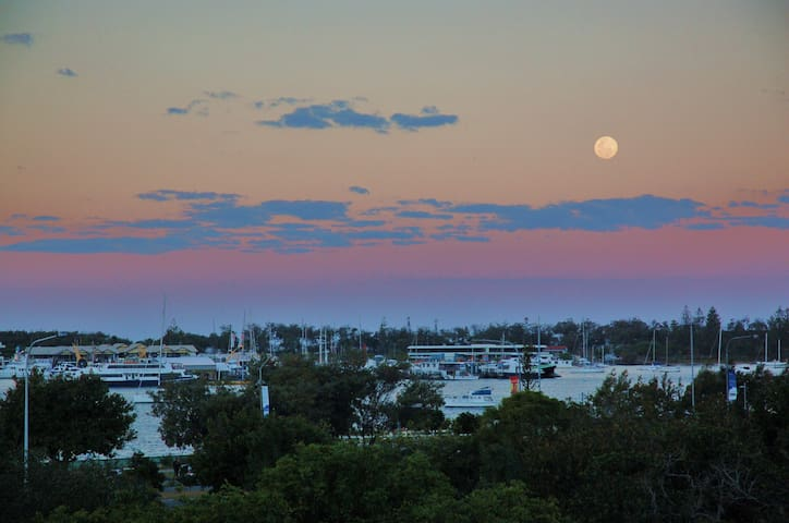 Beautiful sunrises over the broadwater