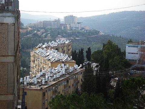 Over-the-Grapevines Jerusalem Apartment
