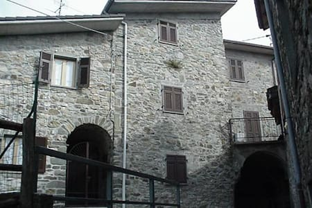 Tuscan Retreat - Patigno - Ev
