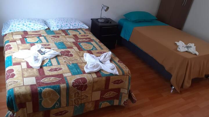 Amplia habitacion con baño privado en MIRAFLORES