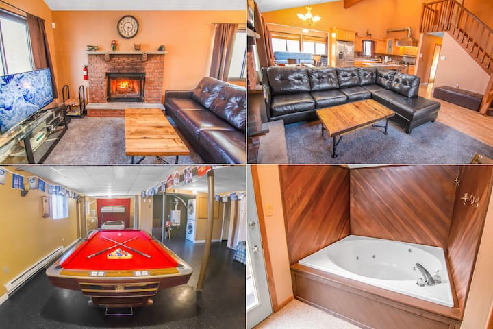 Holiday Ski Cabin: Fireplace, Pool Table, Jacuzzi