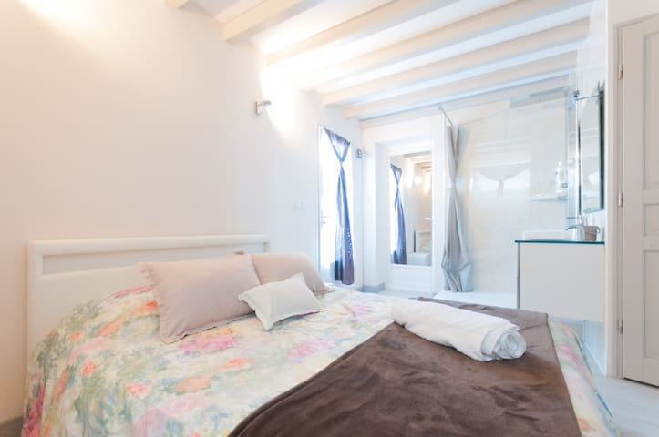 Independent and comfortable room in Hendaye - アンダイエ - 別荘