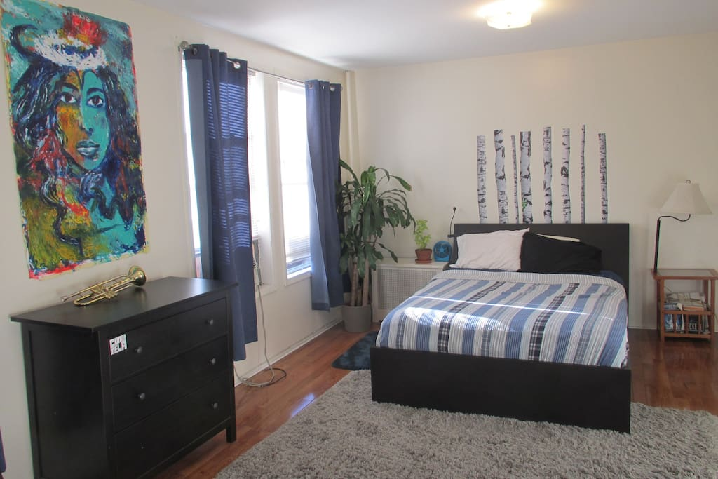 Lovely one bedroom heart of astoria flats for rent in for Aki kitchen cabinets astoria ny