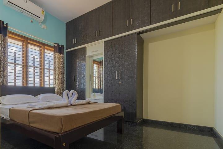 Unnathi Comfort Inn - Luxury within reach