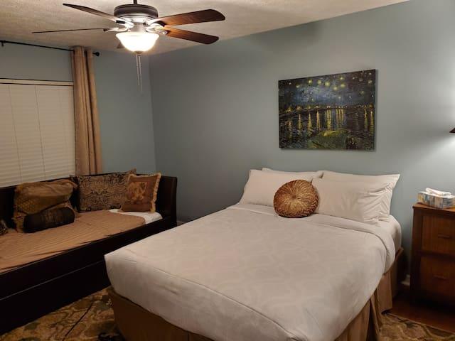 2800E Private Queen Bedroom on 2nd Floor