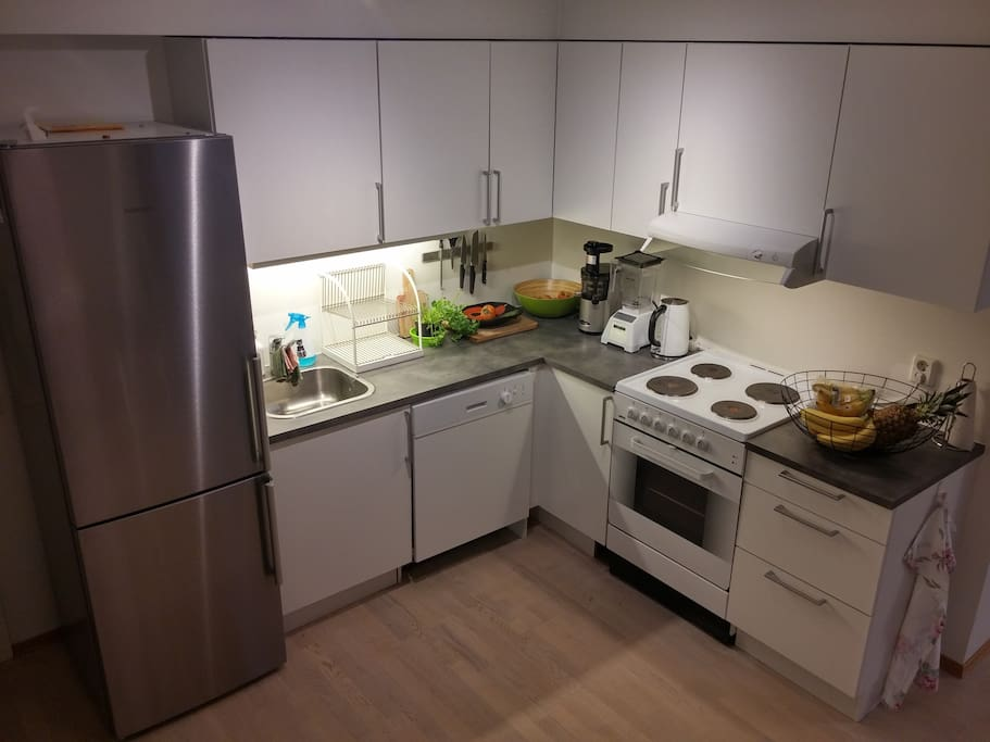Fully equipped kitchen w. dishwasher