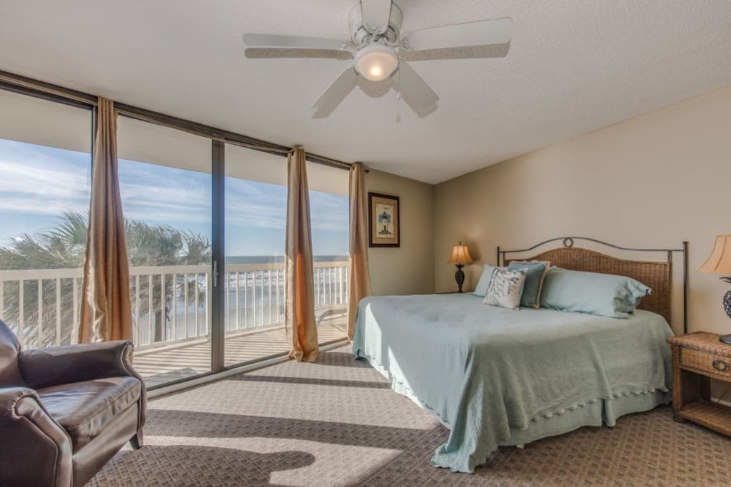 Oceanfront King Master Suite with Balcony Access