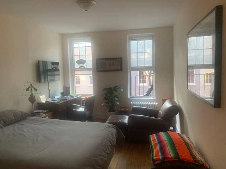 Bright Greenwich village 2-room studio