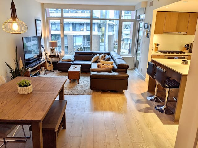 Large 1 Bed+Den+Patio located in Olympic Village
