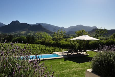 Blueberry Hill - Lavender Cottage in Franschhoek