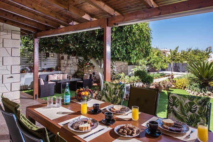Heraklion Seaside Gem - Olia Private Retreat