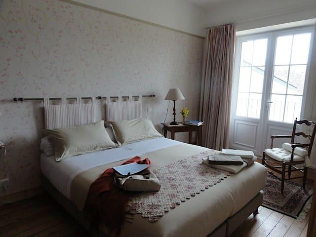 Le Figuier, chambre Les Aubépines - Sainte-Maure-de-Touraine - Rumah Tamu