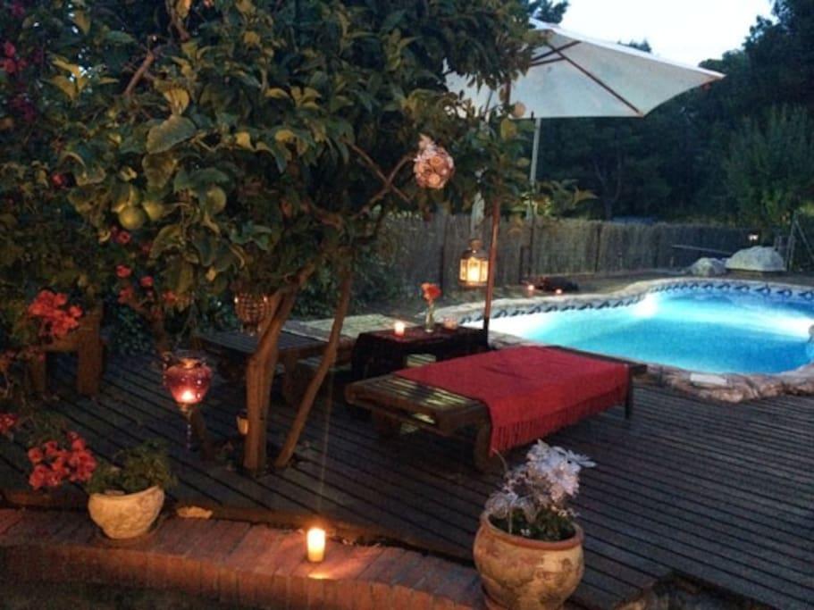 Preciosa casa con piscina privada en la playa casas en for Piscina castelldefels