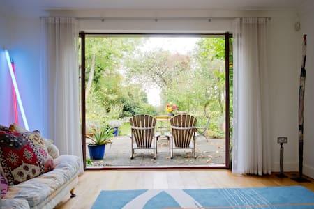 @The garden house, near Woburn - Milton Keynes