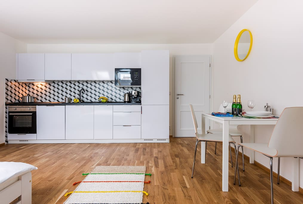 kitchen (dishwasher, microwave, coffee maker, electric kettle, oven, stove, fridge, freezer, detergents, dishwasher tablets)