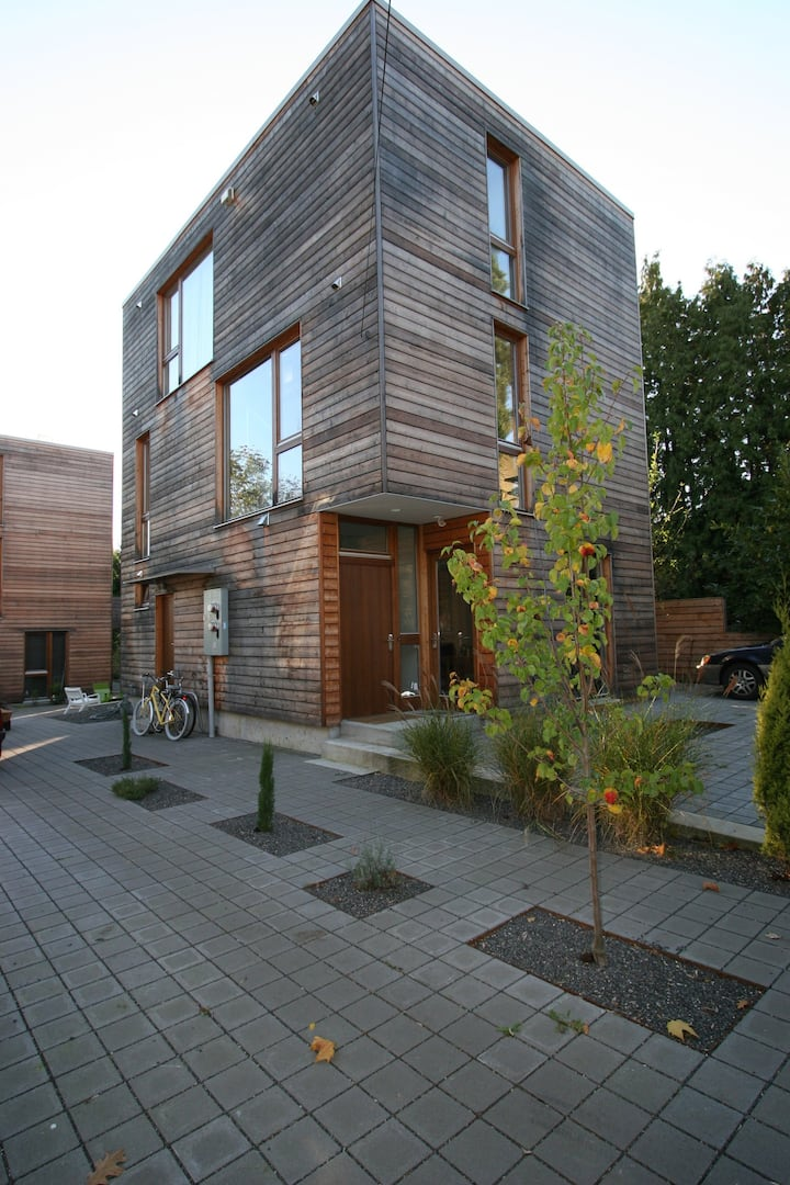 Contemporary Portland Studio