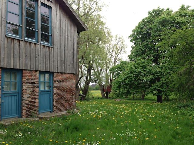 Jules einzigartiges Haus mit 2 Seen