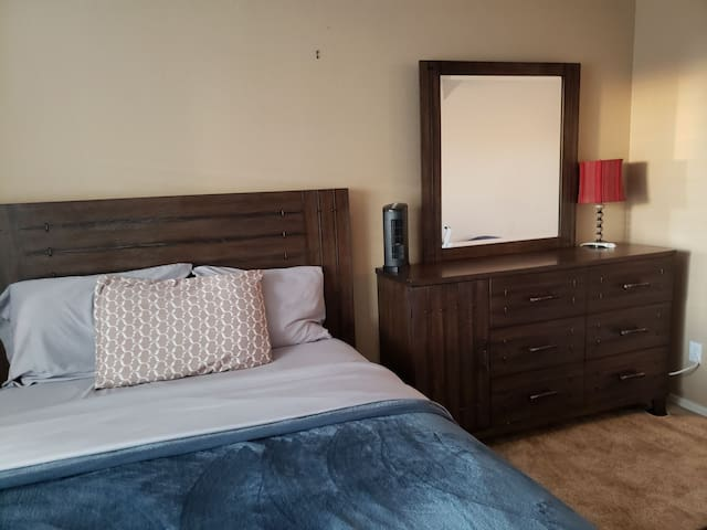 Spacious double guest room *Downstairs*