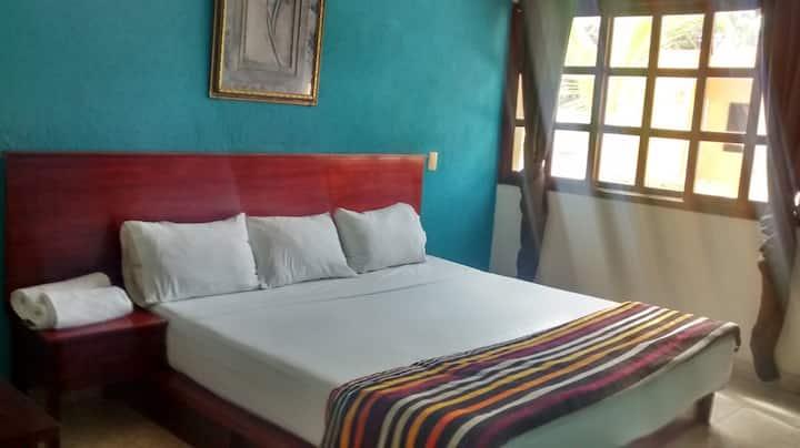 hotelito YAAKUNAH-HABITACIÓN AZUL-