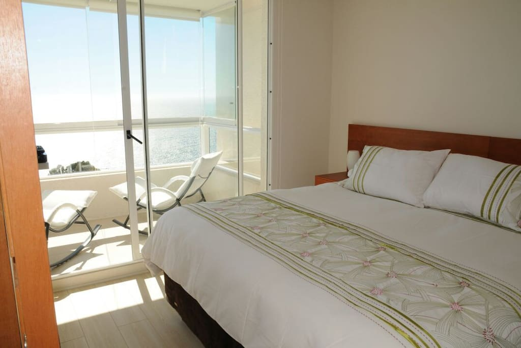 Suite room with view of the ocean