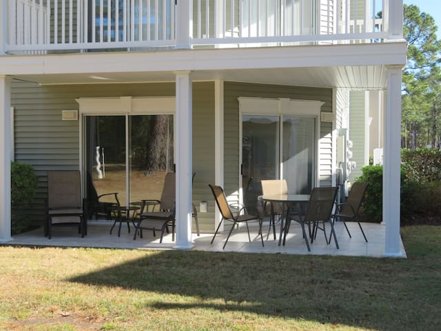 Ground floor, 2BR/2BA Golf View Condo
