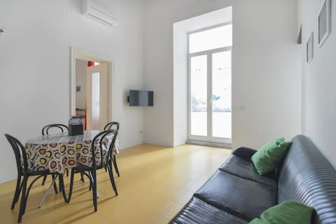 Apartment in the centre with enclosed terrace