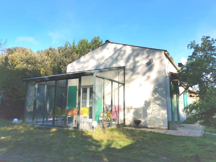 Maison dans la forêt 500m plage de Vert Bois