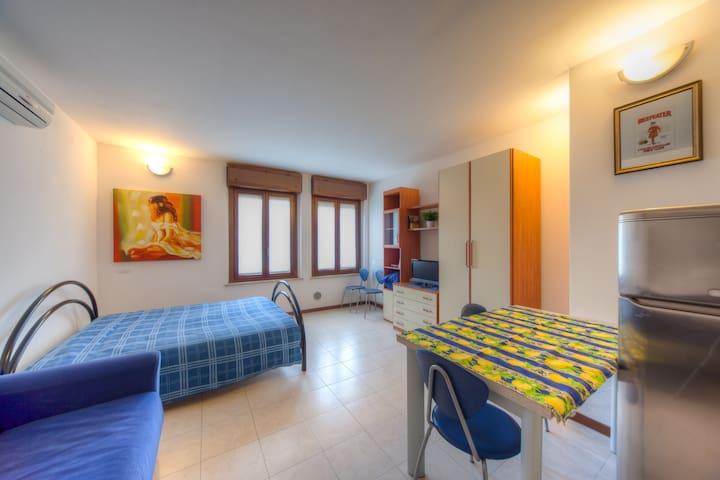 """Casa per turisti  """"Alloggio 2a"""" - verona - Apartament"""