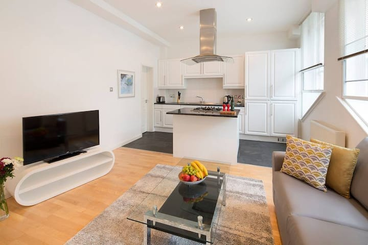 1 Bed OPEN PLAN Monument One  · Loft Style apartment in Monument