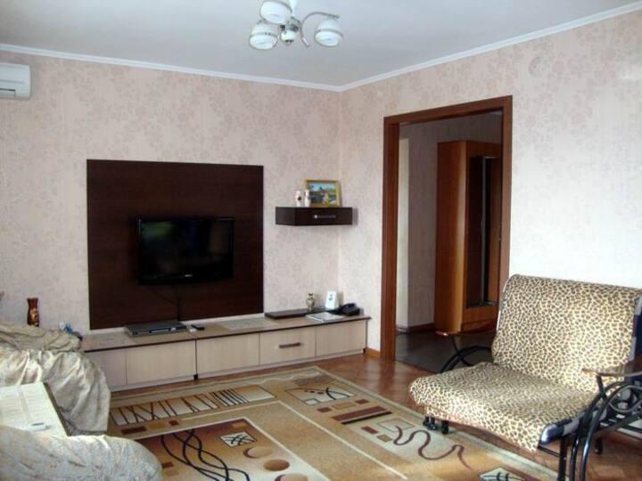 2-ые апартаменты на Пл.Республики/2 bedroom apt