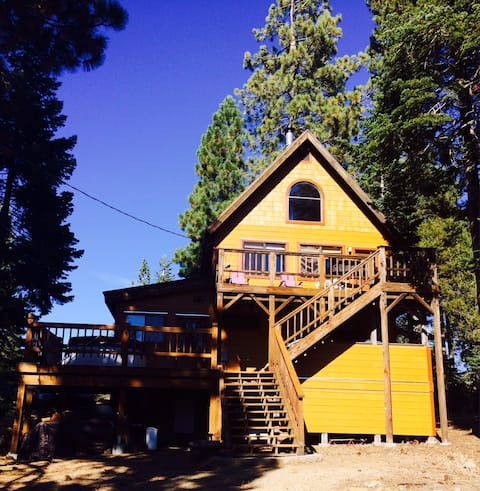 Relax & Play at Hearts Nest Cabin