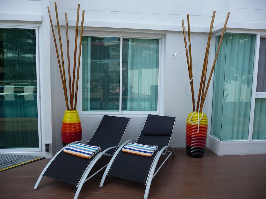 Comfy sun beds to get a lovely teint. Pool / Beach towels available in the apartment.