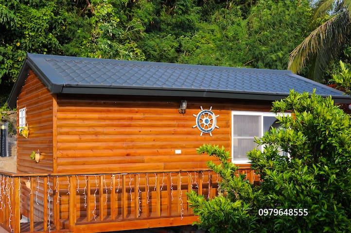 南灣海邊的獨棟小木屋 - Hengchun - Houten huisje