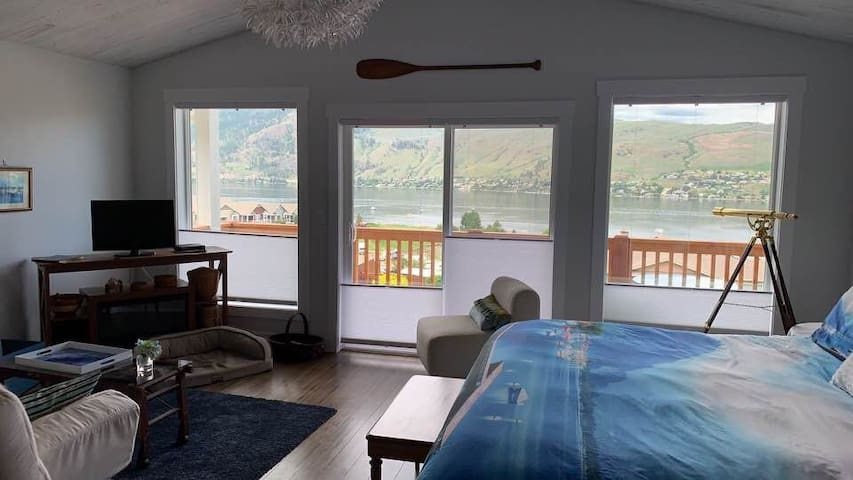 luxury lake view suite, long term rates available!