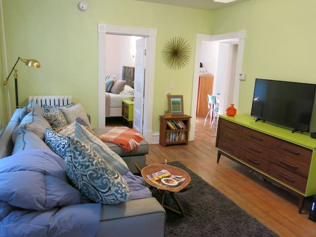 Walk to Downtown + Parking + Great Amenities