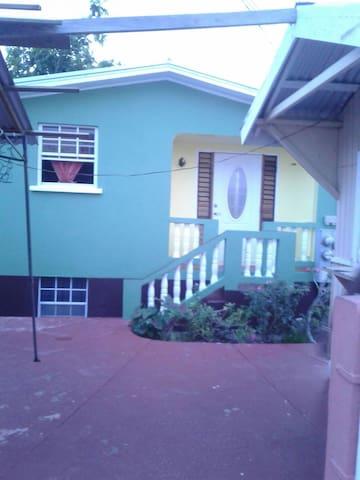 Joyce Villa - Bridgetown - Bed & Breakfast