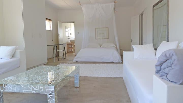 Bamboo Beach Seaside House: White