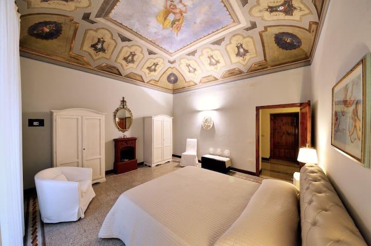 1800s house & garden close to the Spa GrottaGiusti