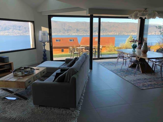 Villa avec vue sur le lac a 180°