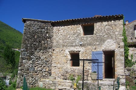 Nice holiday cottage** in Cevennes - Arre - Hus