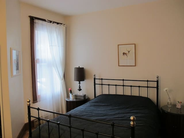 Heritage apartment by subway - Montreal - Apartamento