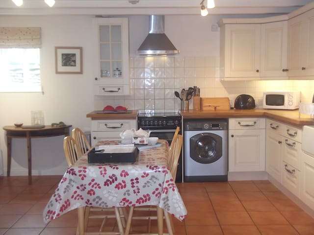 Castlegate Coach House Holiday Cottage - Pickering - Dům