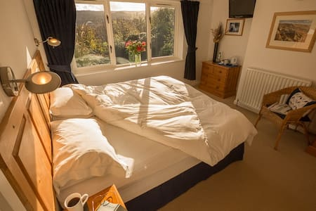 Superb Peak District B&B en-suite - Hathersage