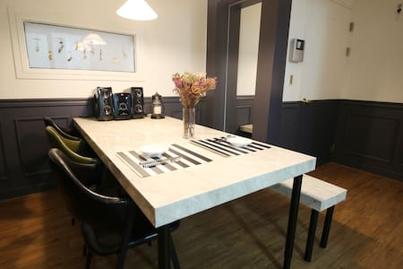 PLACE 302 _ chic & near terminal - 포항시