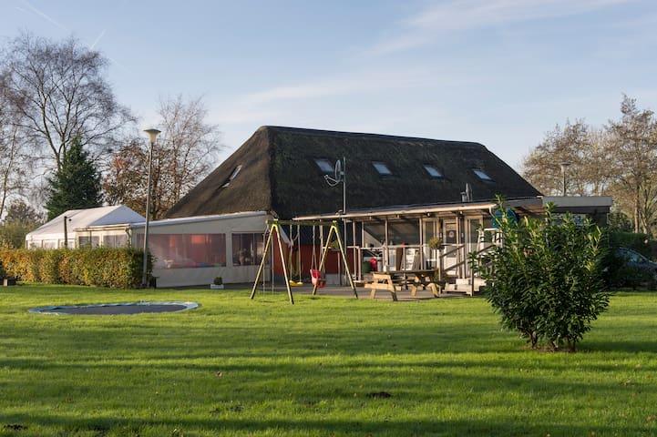B&B in centrum  3 noordelijke prov. - Zevenhuizen - Aamiaismajoitus