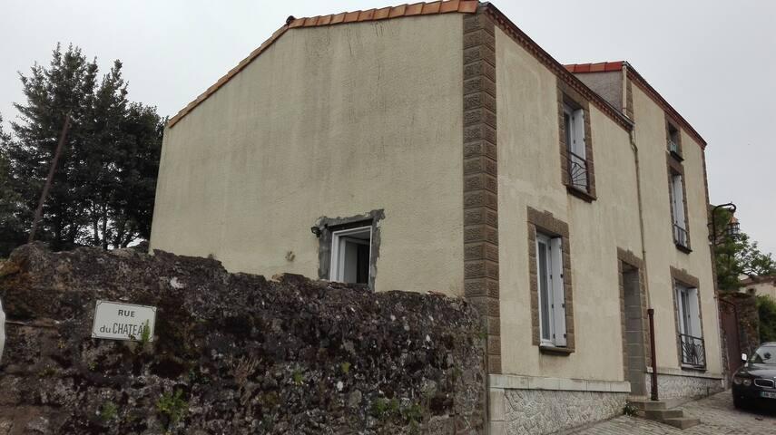 Deuxième chambres à Tiffauges. - Tiffauges - Casa