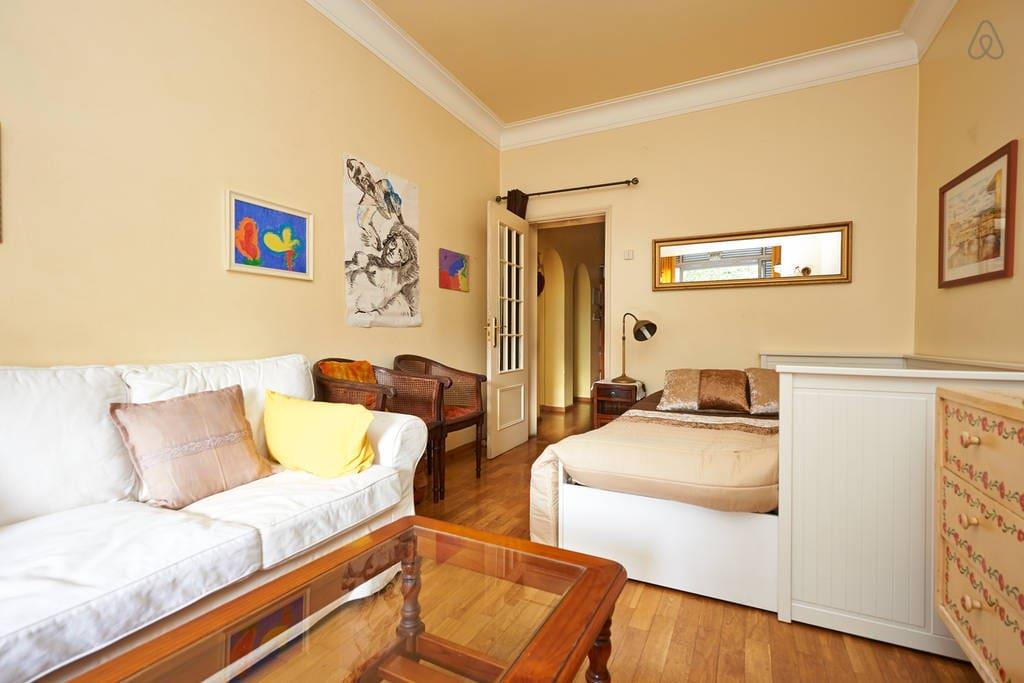 grand chambre wifi parking gratuit appartements louer lisbonne lisbonne portugal. Black Bedroom Furniture Sets. Home Design Ideas